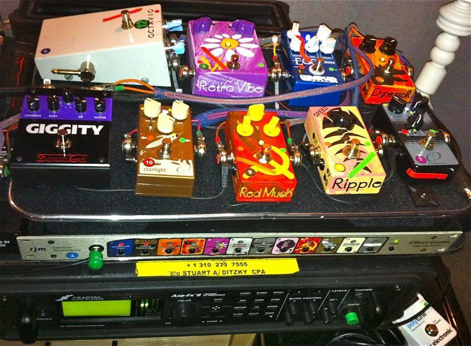 http://www.jampedals.com/wp-content/uploads/2015/07/zappa-pedalboard.jpg