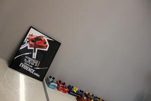 Jampedals.com Custom Pedal JAM pedals showroom 16