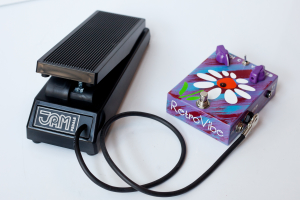 Expression pedal image 1